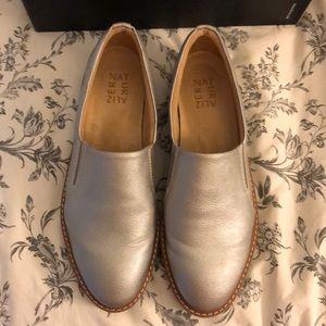 Silver Naturalizer size 8 1/2
